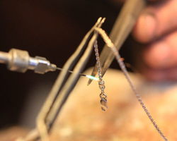 Atelier Dehaeseleer - Herstellen, maken en veranderen