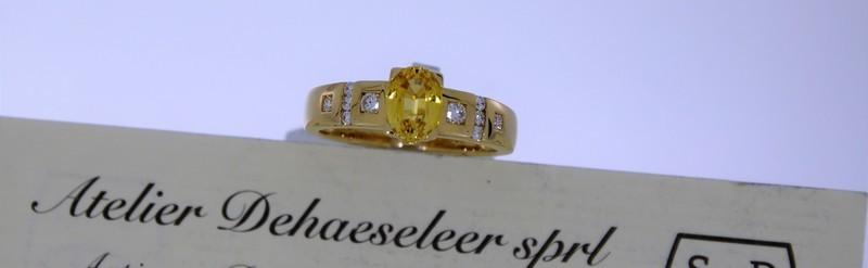 Bague or jaune avec saphir jaune. Prix 1450  euros.