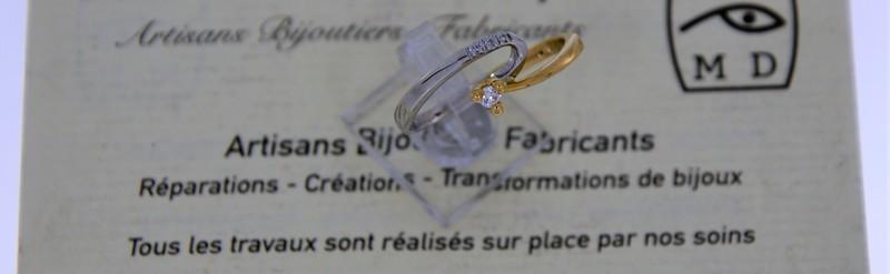 Bague or bicolore, diamant de 6 pts. Prix 687 euros.